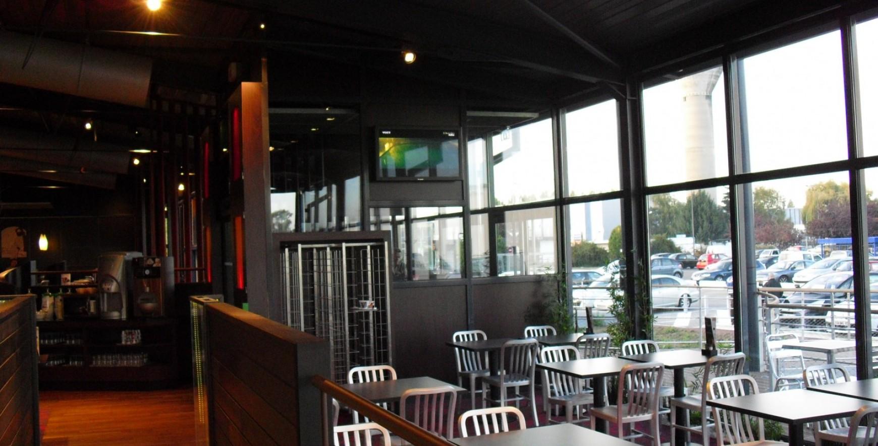 l 39 embarcad re creation d 39 un restaurant sur pilotis ai2b. Black Bedroom Furniture Sets. Home Design Ideas